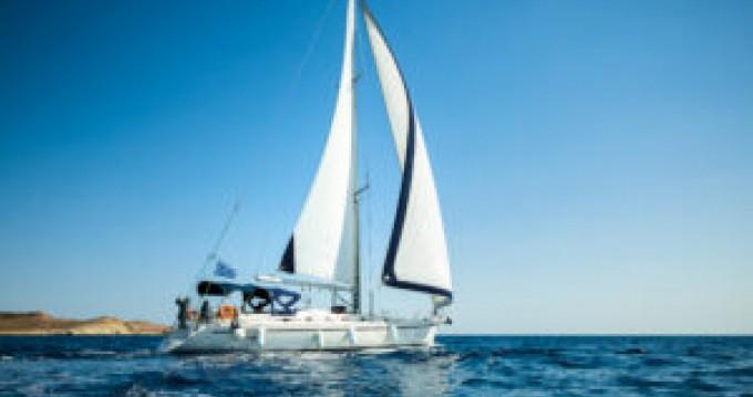 Boat rental Lávrio cheap 51.2