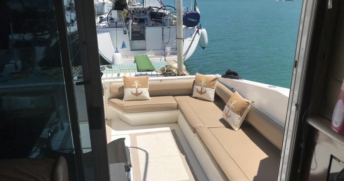 Rental yacht Salerno - Sea Ray Sea Ray 550 Sedan Bridge on SamBoat