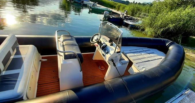 Hire RIB with or without skipper Valiant Aix-les-Bains