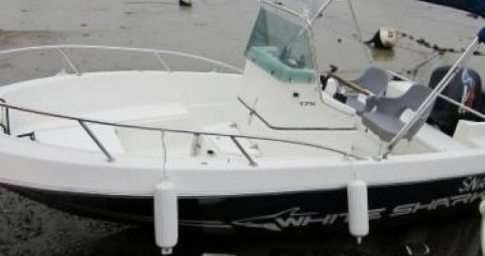 Boat rental L'Estaque cheap White Shark 175