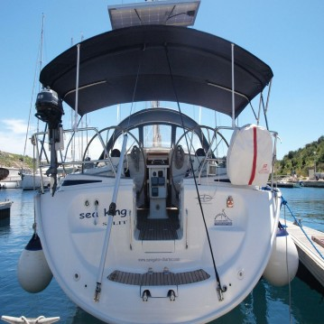Rental Sailboat in Primošten - Bavaria Bavaria 42 Cruiser