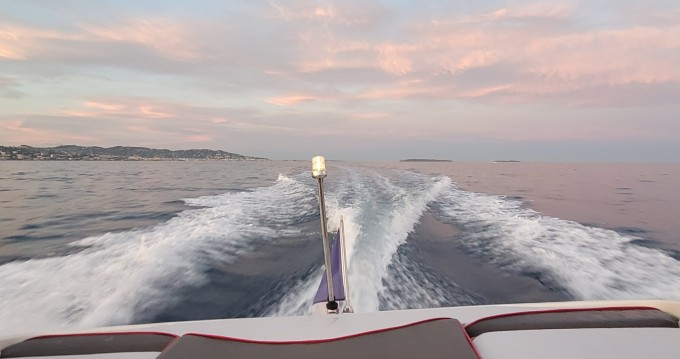 Rental Motorboat in Mandelieu-la-Napoule - Maxum 2100