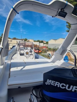Boat rental Marseille cheap Sacs S 680 Ghost