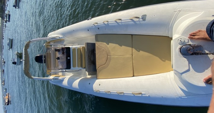 Boat rental Nuova Jolly King 720 Extreme in Lège-Cap-Ferret on Samboat