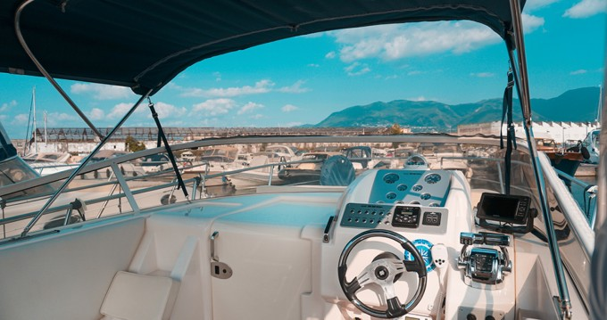 Hire Motorboat with or without skipper Mano Marine Castellammare di Stabia