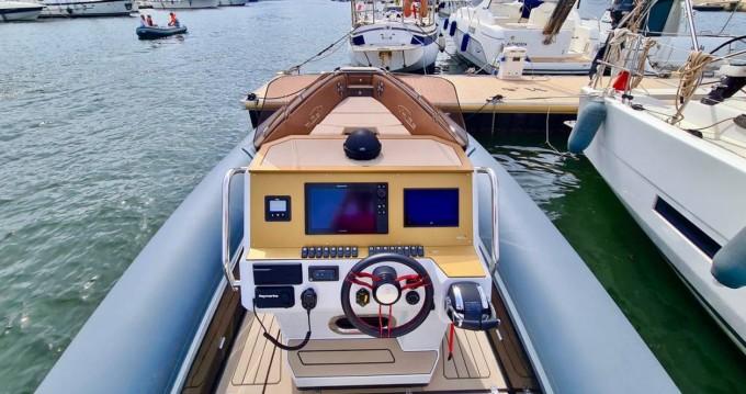 Rent a MV Marine Mito 29 Saint-Florent