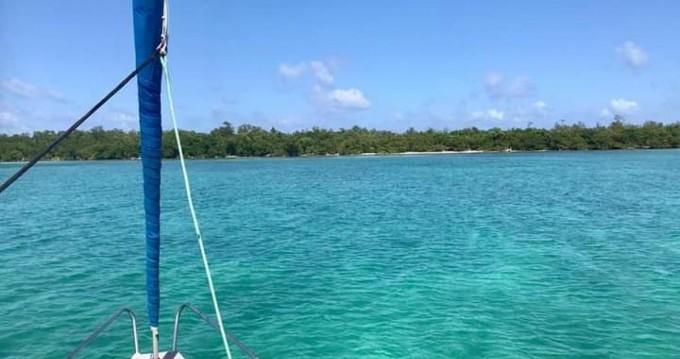 Boat rental Roatán (Island) cheap Elan 362