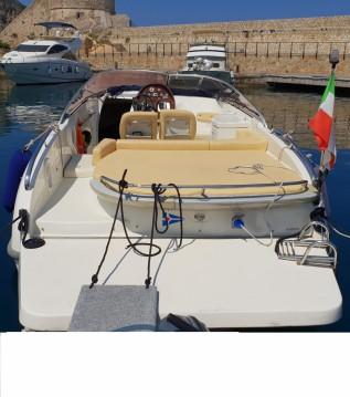 Boat rental Cranchi Cranchi 27 Csl in Port-Vendres on Samboat
