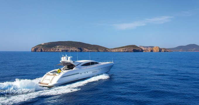 Hire Yacht with or without skipper Mangusta Palma de Mallorca