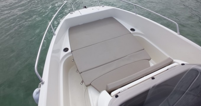 Rental Motorboat Boleor with a permit