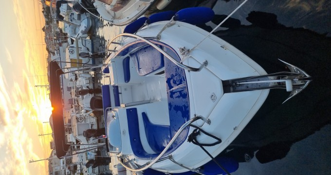 Motorboat for rent Carro at the best price