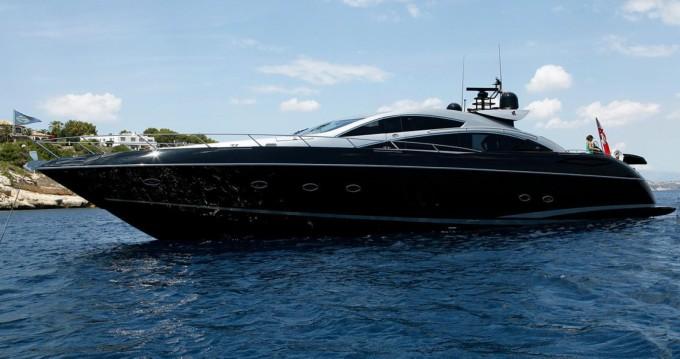 Rental yacht Palma de Mallorca - Sunseeker Predator 82 on SamBoat