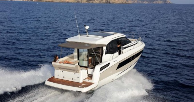 Motorboat for rent Annapolis at the best price