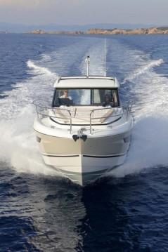 Rental Motorboat in Annapolis - Jeanneau Jeanneau NC 33