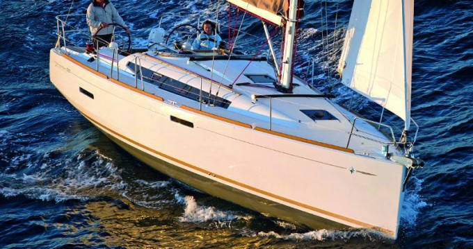 Boat rental Annapolis cheap Sun Odyssey 389