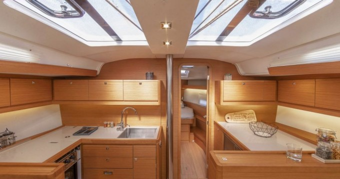 Jeanneau Sun Odyssey 389 between personal and professional Annapolis