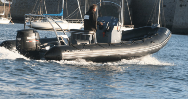 Rental Motorboat Bombard with a permit