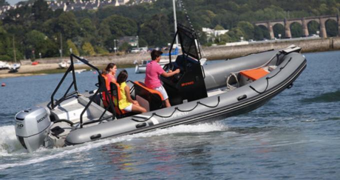 Rental Motorboat in Port du Crouesty - Unknown Brand HIGHFIELD 6.60 HIGHFIELD 6.60