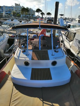 Motorboat for rent Port d'Arcachon at the best price