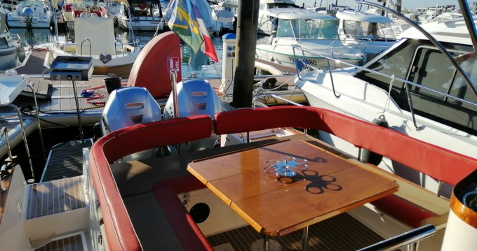 Hire Motorboat with or without skipper Beacher Port d'Arcachon