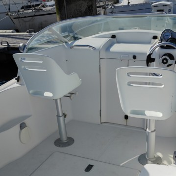 Motorboat for rent Locmiquélic at the best price