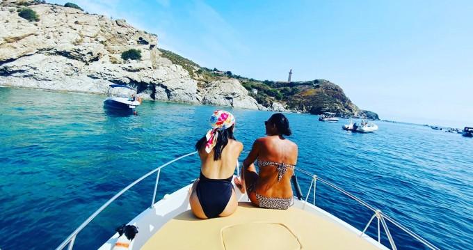 Boat rental Argelès-sur-Mer cheap Activ 640 Cabin