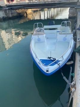 Boat rental Ultramar Ultra 470 Open in Palavas-les-Flots on Samboat