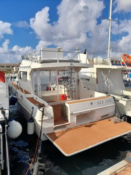 Rental Motorboat Piantoni with a permit
