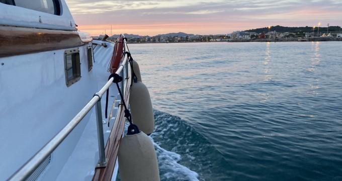 Rental Motorboat in Alcúdia - Mestre D'Aixa Curret Llaüt Artesanal