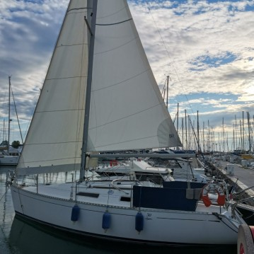 Rent a Dufour Dufour 30 Antibes