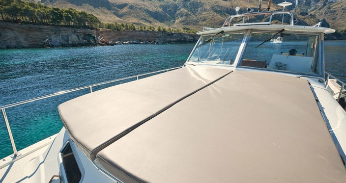 Motorboat for rent Can Picafort at the best price