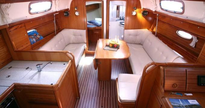 Rental yacht Saltsjöbaden - Bavaria Cruiser 37 on SamBoat