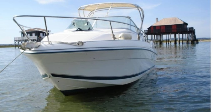 Motorboat for rent Blaye at the best price