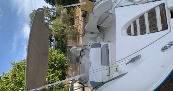 Boat rental Quicksilver Quicksilver 505 Commander in Port-Saint-Louis-du-Rhône on Samboat