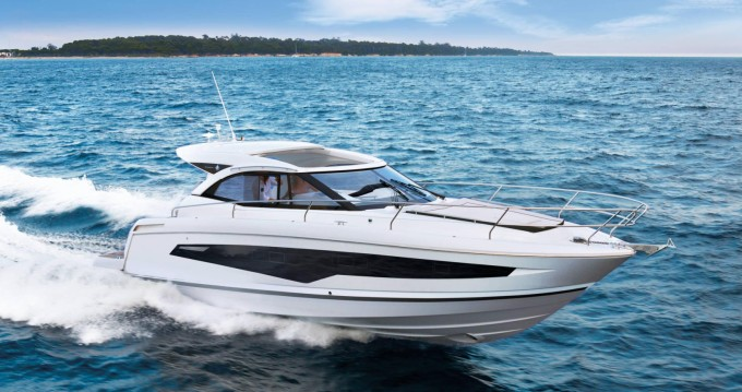Rental Motorboat in Port de Roses - Jeanneau Leader 36 Sportop