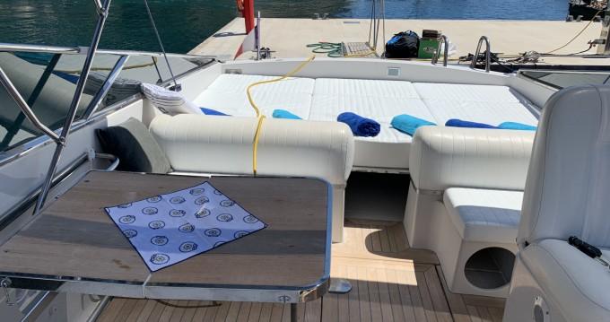 Rent a Itama Itama 38 Port Hercule