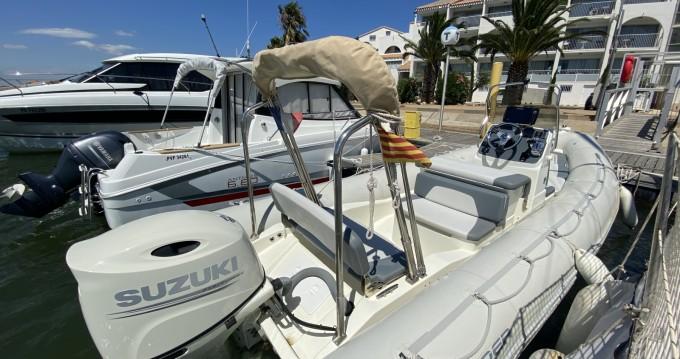 Boat rental Saint-Cyprien cheap Sunrider 700
