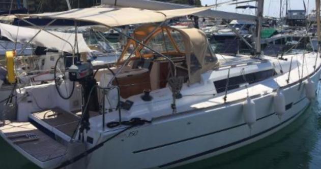 Boat rental Hyères cheap Yachts 350
