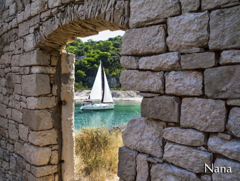 Hire Sailboat with or without skipper Dufour Omiš
