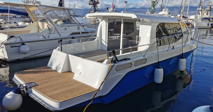 AC DC Daycruiser 12.0 between personal and professional Novigrad