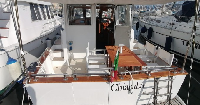 Motorboat for rent Fezzano at the best price