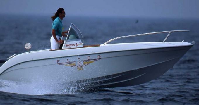 Motorboat for rent La Seyne-sur-Mer at the best price