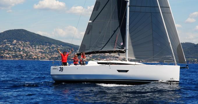 Rental Sailboat in Marseille - Elan Elan E3