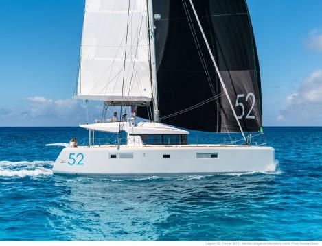 Boat rental Corfu cheap Lagoon 52 F