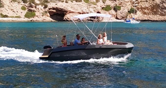 Boat rental Magonis Wave 550 in Santa Eulària des Riu on Samboat