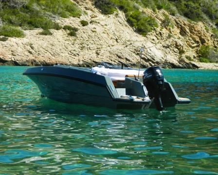 Rental Motorboat in Santa Eulària des Riu - Magonis Wave 550