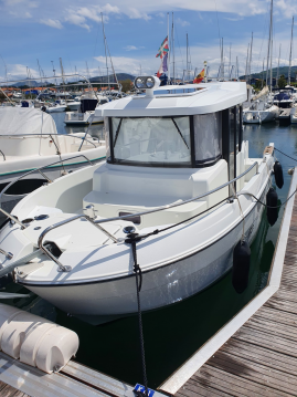 Hire Motorboat with or without skipper Bénéteau Hendaye
