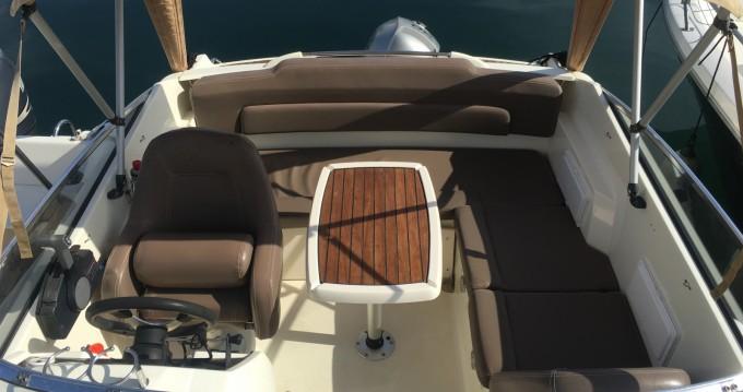Rental Motorboat in Port Santa-Lucia - Jeanneau Cap Camarat 5.5 DC