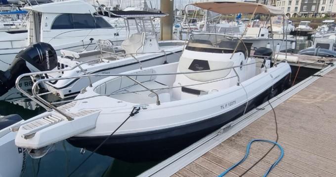 Rent a Ranieri 26 S Voyager Port du Crouesty