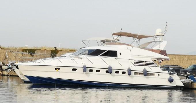 Boat rental Fairline Squadron 65 in Konyaaltı on Samboat